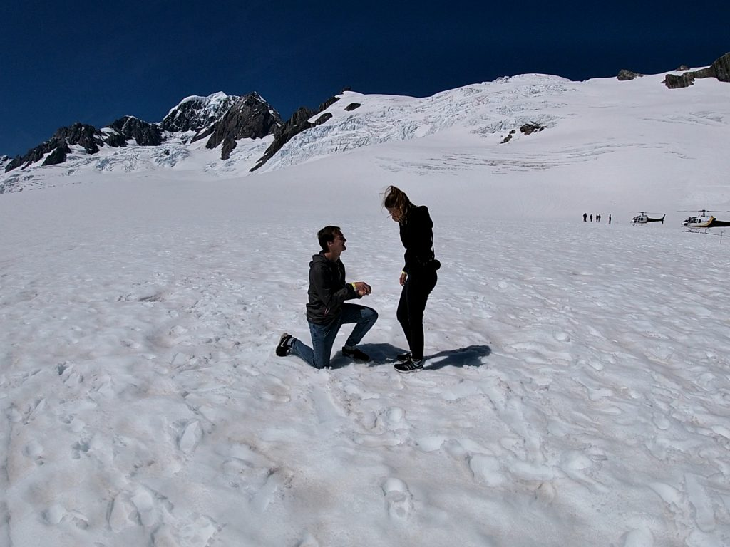 "Verlobung auf dem Fox Gletscher – ""a good day to drop a knee"" [NZ]"